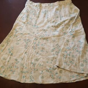 Cj banks 22w floral mid length skirt